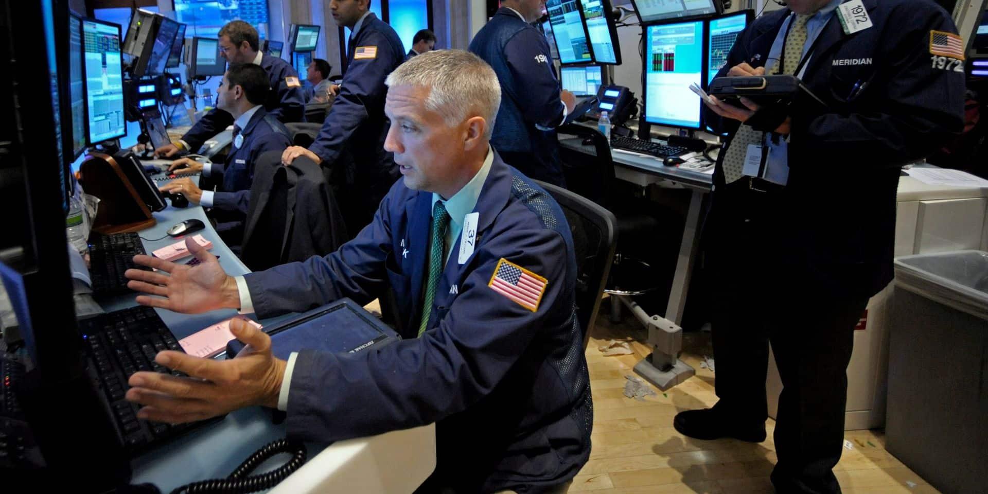 Historique: Wall Street dépasse la barre des 30 000 points!
