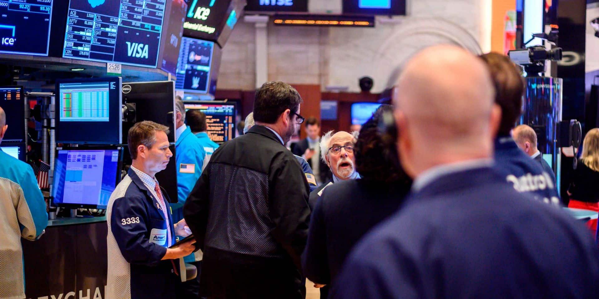 Wall Street recule dans un marché volatil