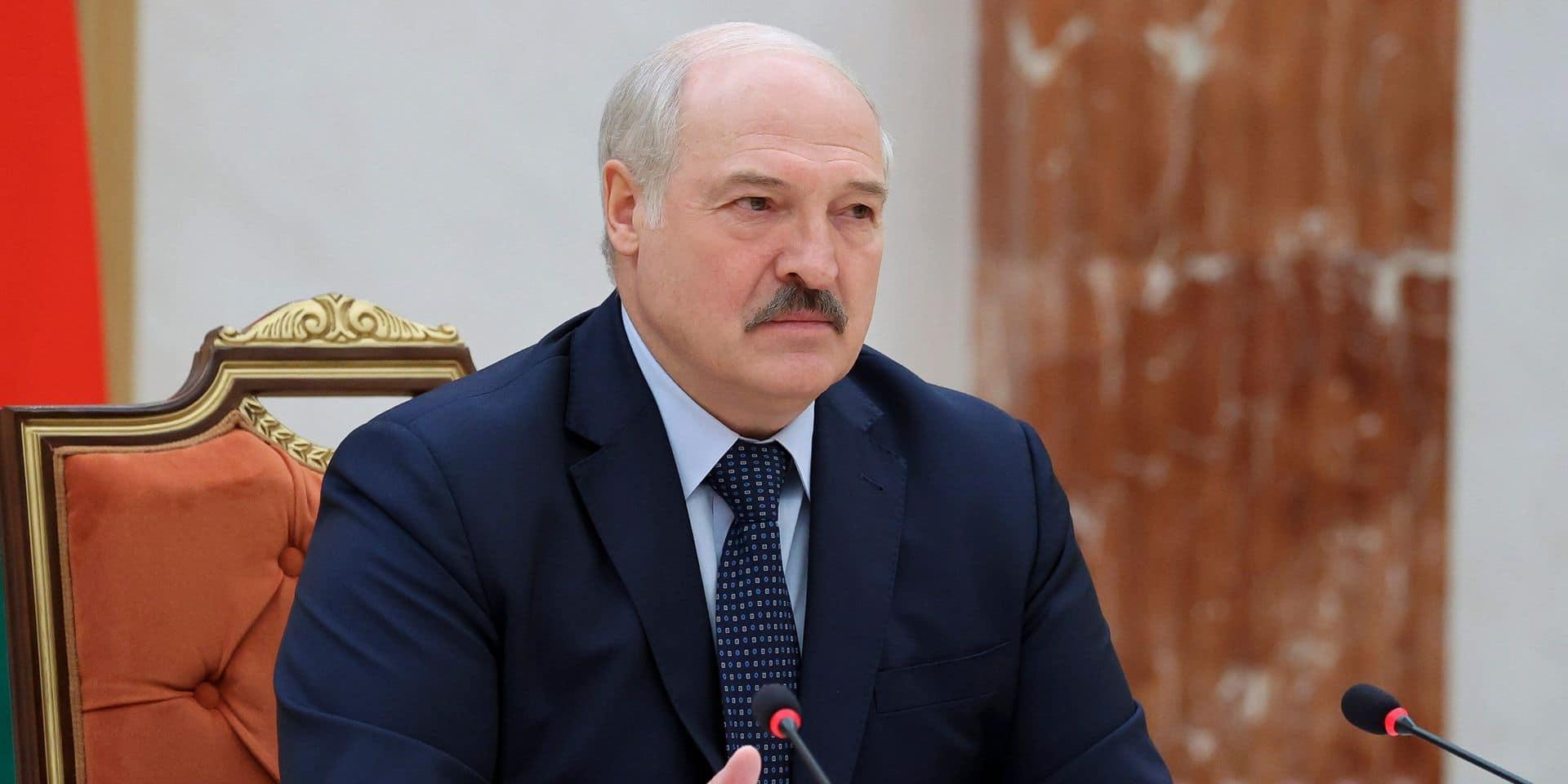 """Loukachenko rencontre Poutine et accuse l'Occident de chercher à """"déstabiliser"""" le Bélarus"""