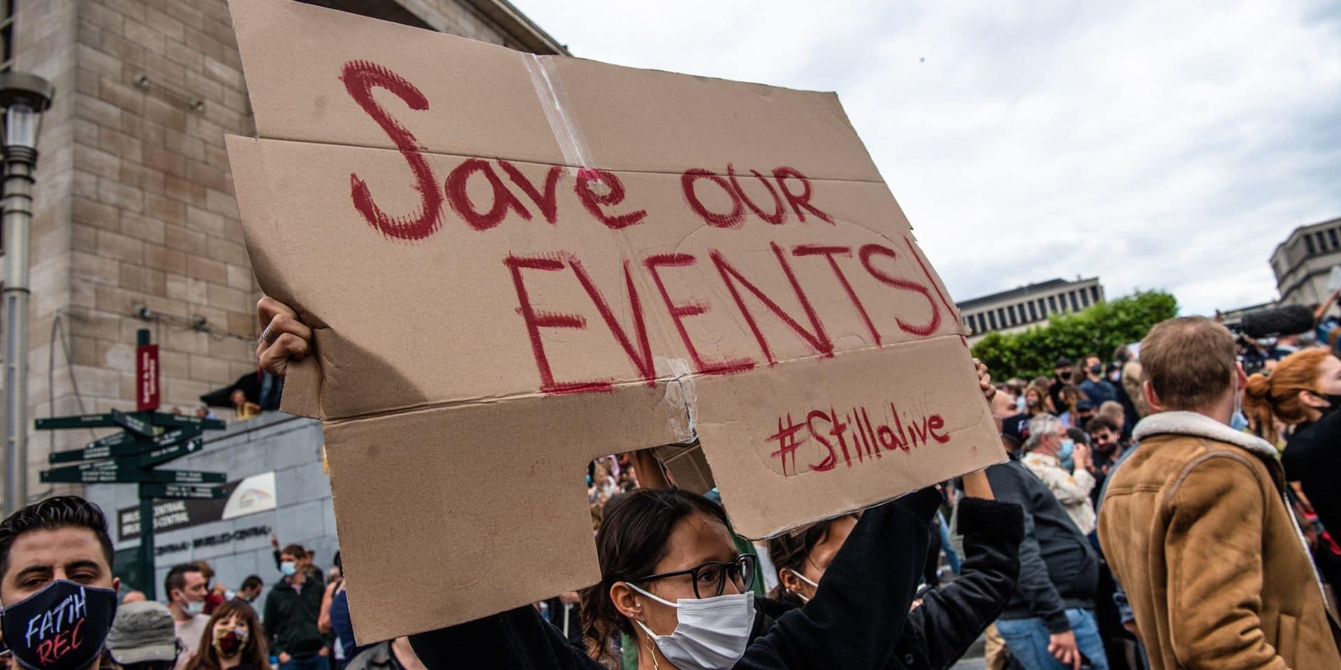 Dimanche 7 septembre, le secteur de l'événementiel a manifesté à Bruxelles pour demander une réaction du gouvernement.