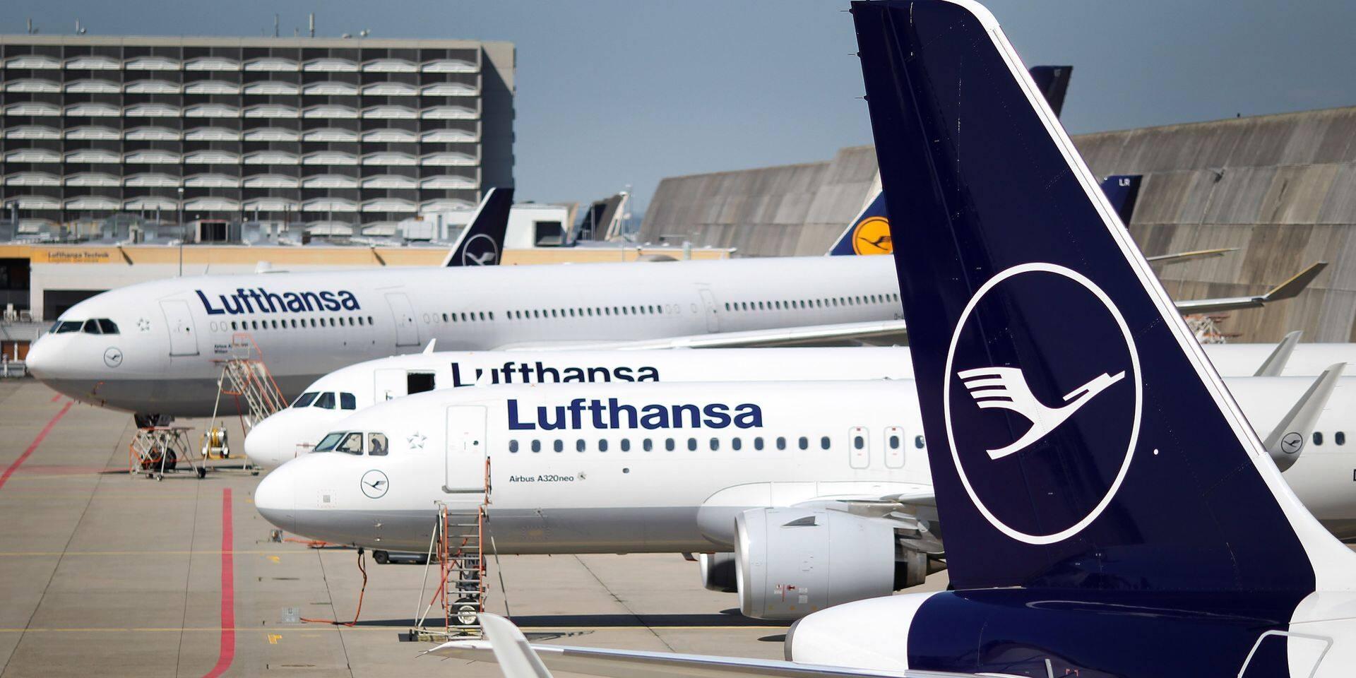 Lufthansa annonce des coupes dans certaines fonctions administratives et de direction : 1000 emplois supprimés