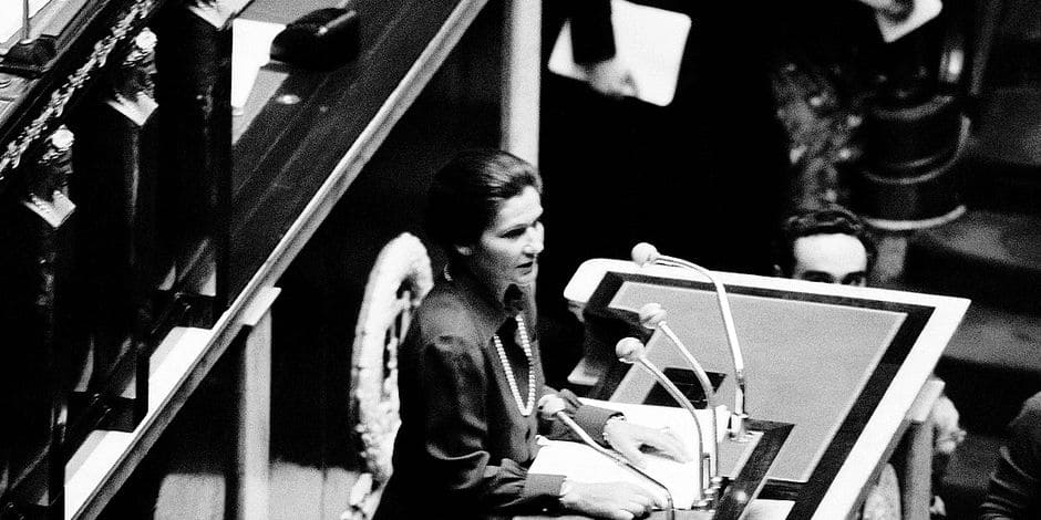 (FILES) In this file photo taken on November 26, 1974 French health minister Simone Veil delivers a speech asking a law allowing abortion, at the National Assembly in Paris. Late former French Health Minister, first elected president of the European parliament, Holocaust survivor and rights icon Simone Veil is to be interred at the Pantheon in Paris along with her late husband Antoine Veil on July 1, 2018. / AFP PHOTO / -