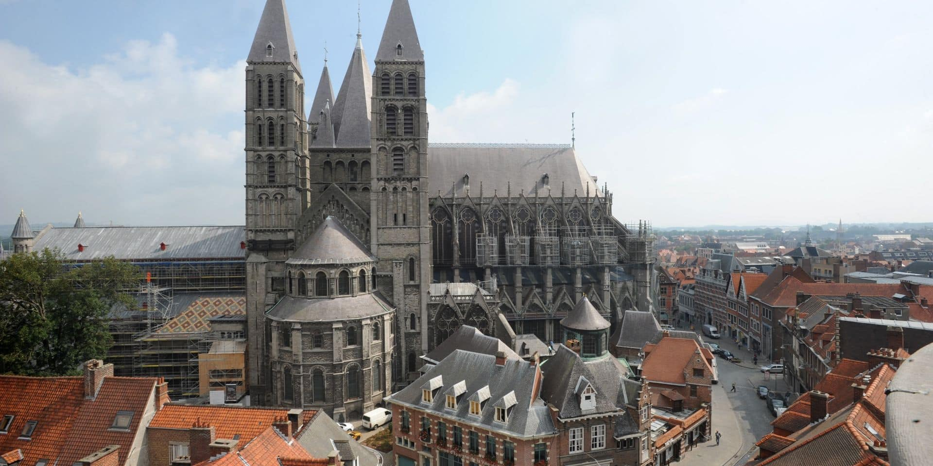 Faut-il faire venir quelques chameaux, lions, girafes et ours à la Cathédrale de Tournai pour pouvoir y redire la messe?
