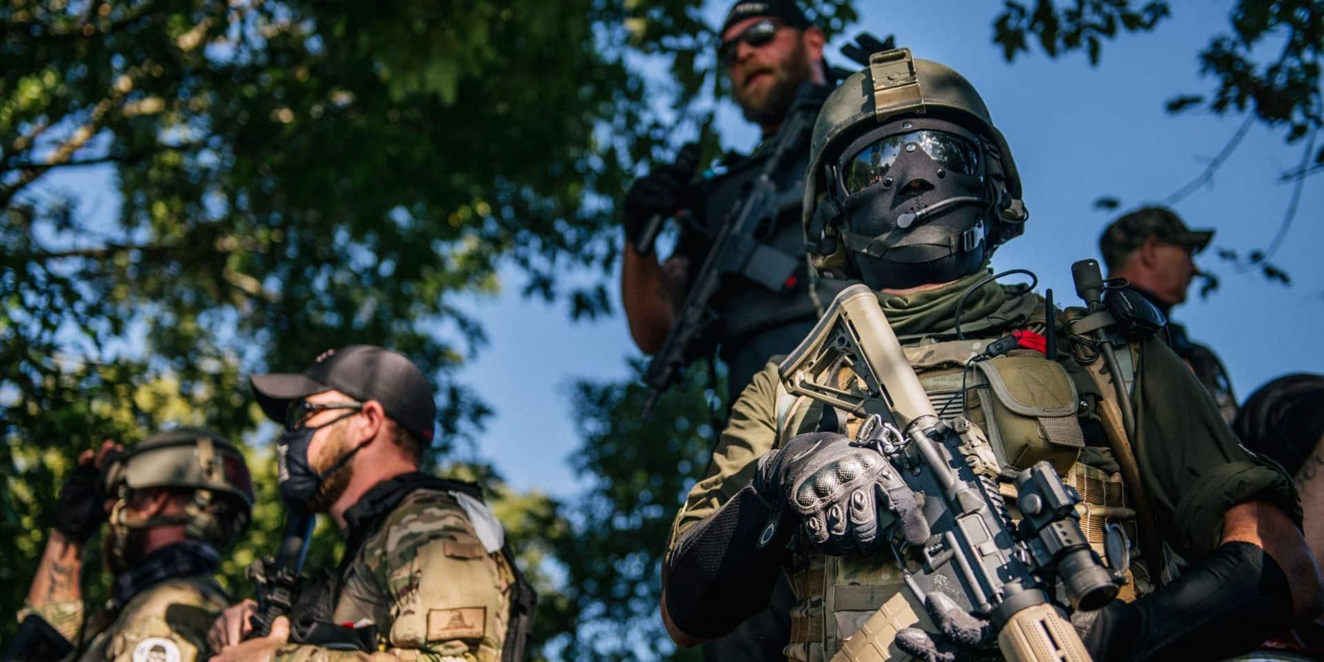 Aux Etats-Unis, face-à-face entre miliciens blancs lourdement armés et manifestants antiracistes