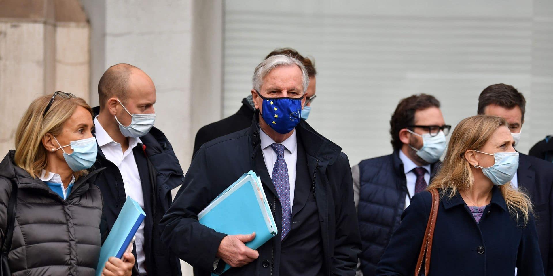 """Brexit: Malgré des """"divergences"""", Barnier de retour à Londres pour négocier"""