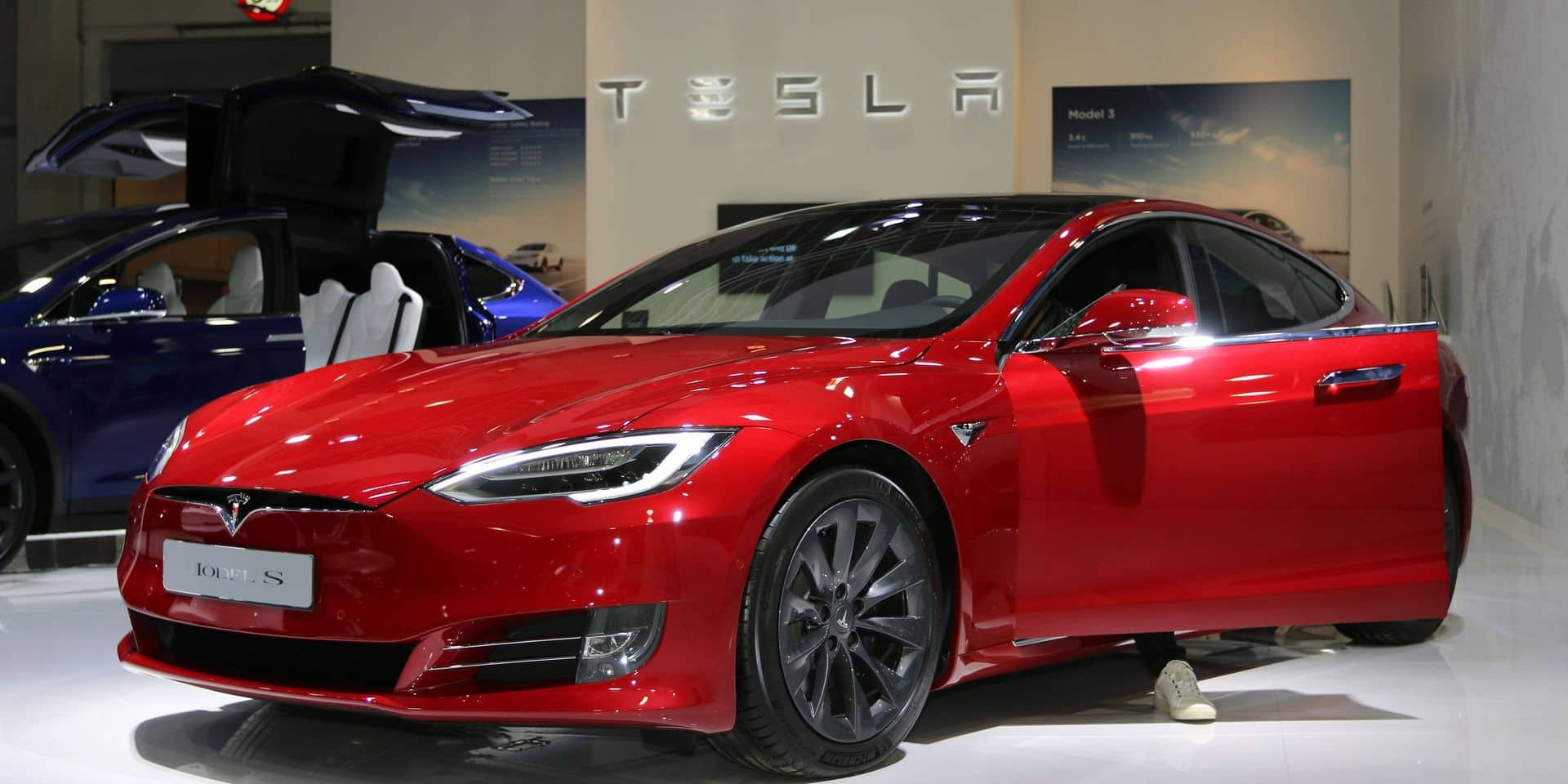 Tesla donne un grand coup d'accélérateur en Bourse