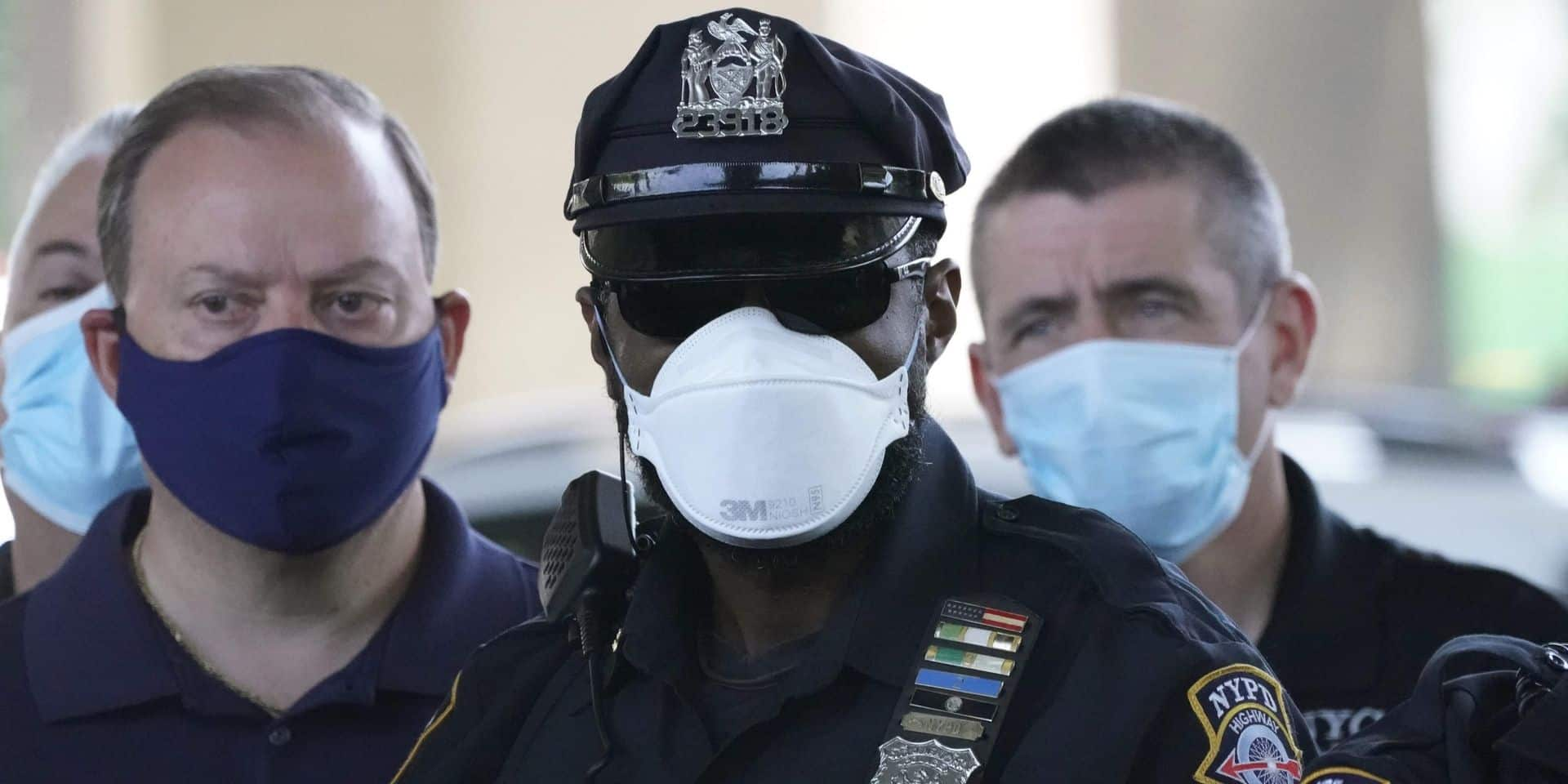 New York réduit le budget de sa police d'un milliard de dollars, Trump est furieux