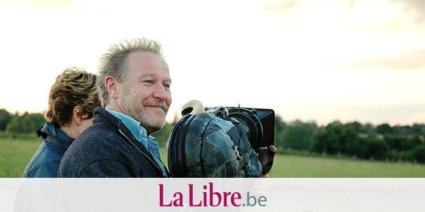 BACK TO NORMANDY, (aka RETOUR EN NORMANDIE), director Nicolas Philibert, on set, 2007. ©Les Films du Losange/Courtesy Everett Collection Copyright: Reporters / Everett