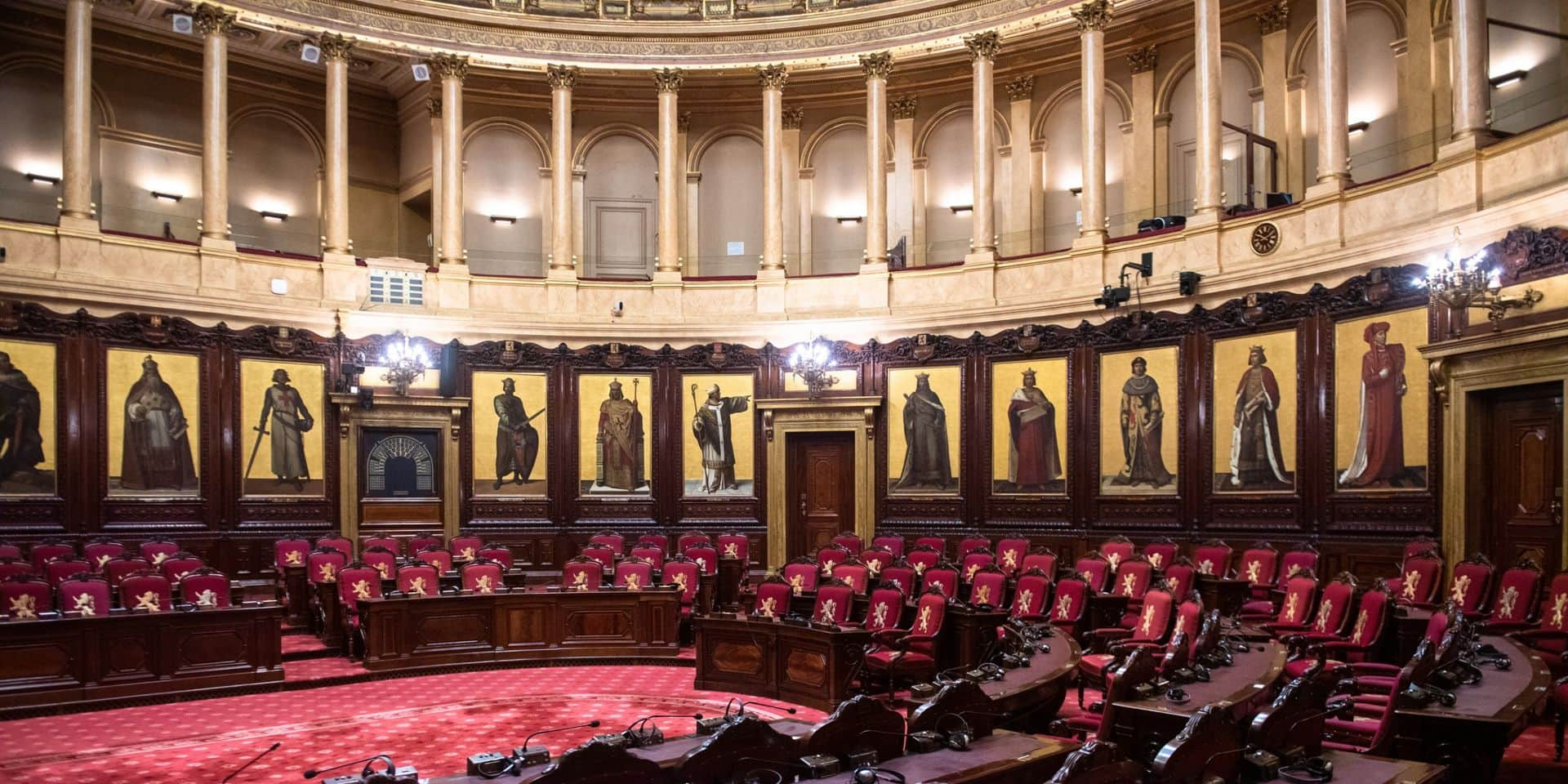 L'art dans les couloirs du politique
