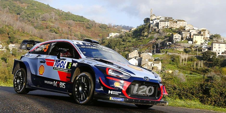 Hyundai Shell Mobis WRT Belgium driver Thierry Neuville competes during the shakedown of the Tour de Corse stage of the World Rally Championship on April 5, 2018 in Sorbo-Ocgnano, on the French Mediteranean island of Corsica. / AFP PHOTO / PASCAL POCHARD-CASABIANCA