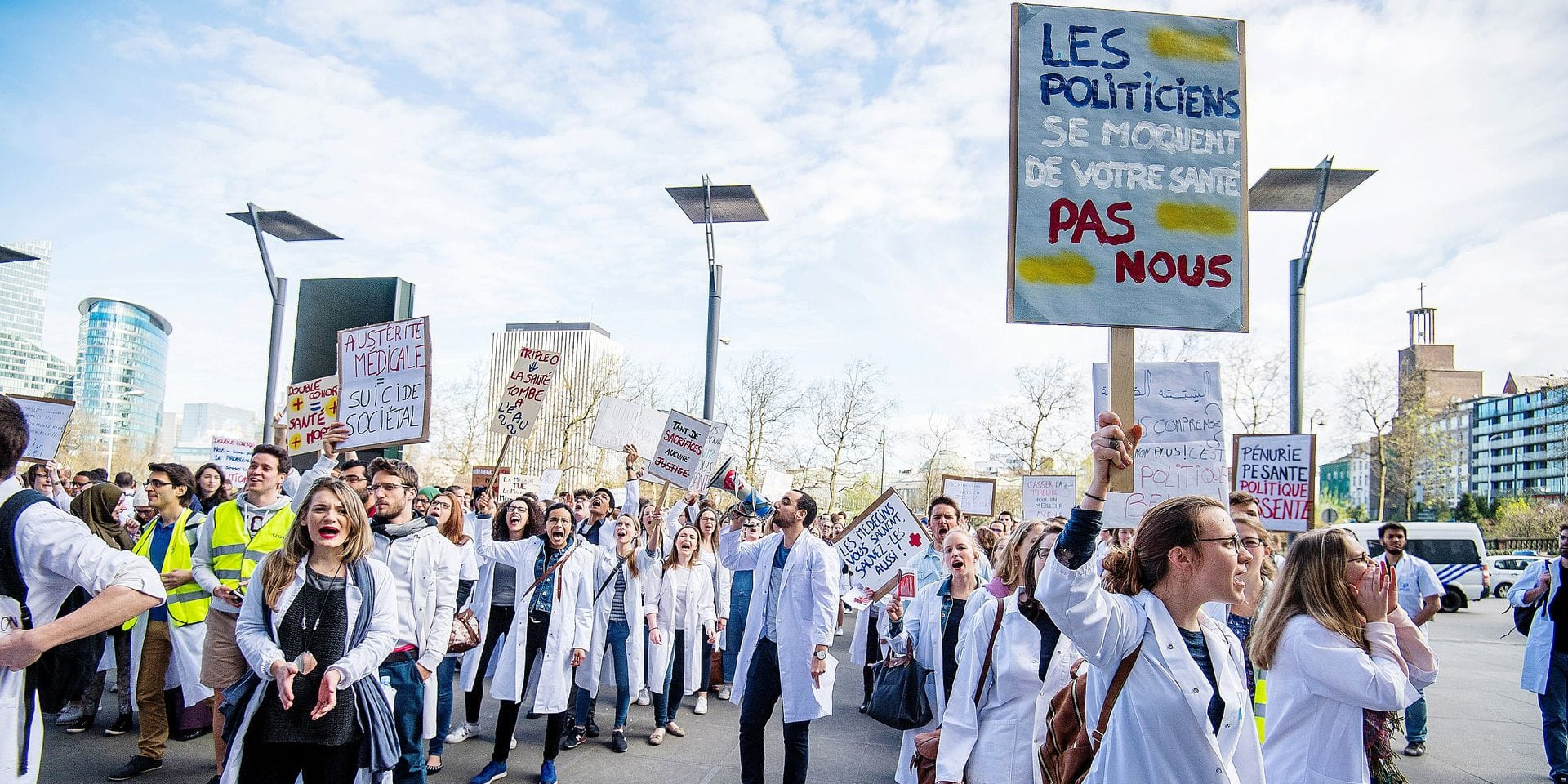 Illustration picture shows a protest of medical students at the cabinet of the Health Minister, Thursday 30 March 2017 in Brussels. The students are claiming lack of funds to handle the 'double cohorte' of two generations of students looking for internships at the same time, due to the shortened educational program. BELGA PHOTO LAURIE DIEFFEMBACQ