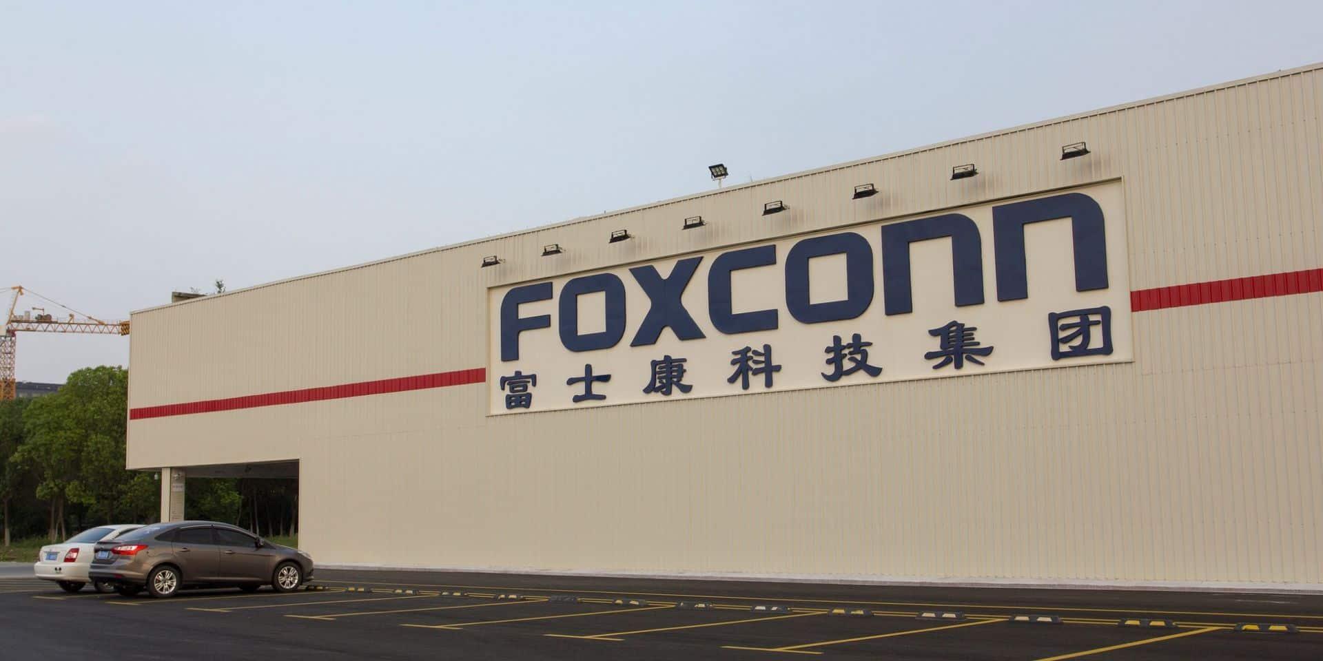 Virus: les usines chinoises du fournisseur d'Apple opèrent à 50% de leurs capacités