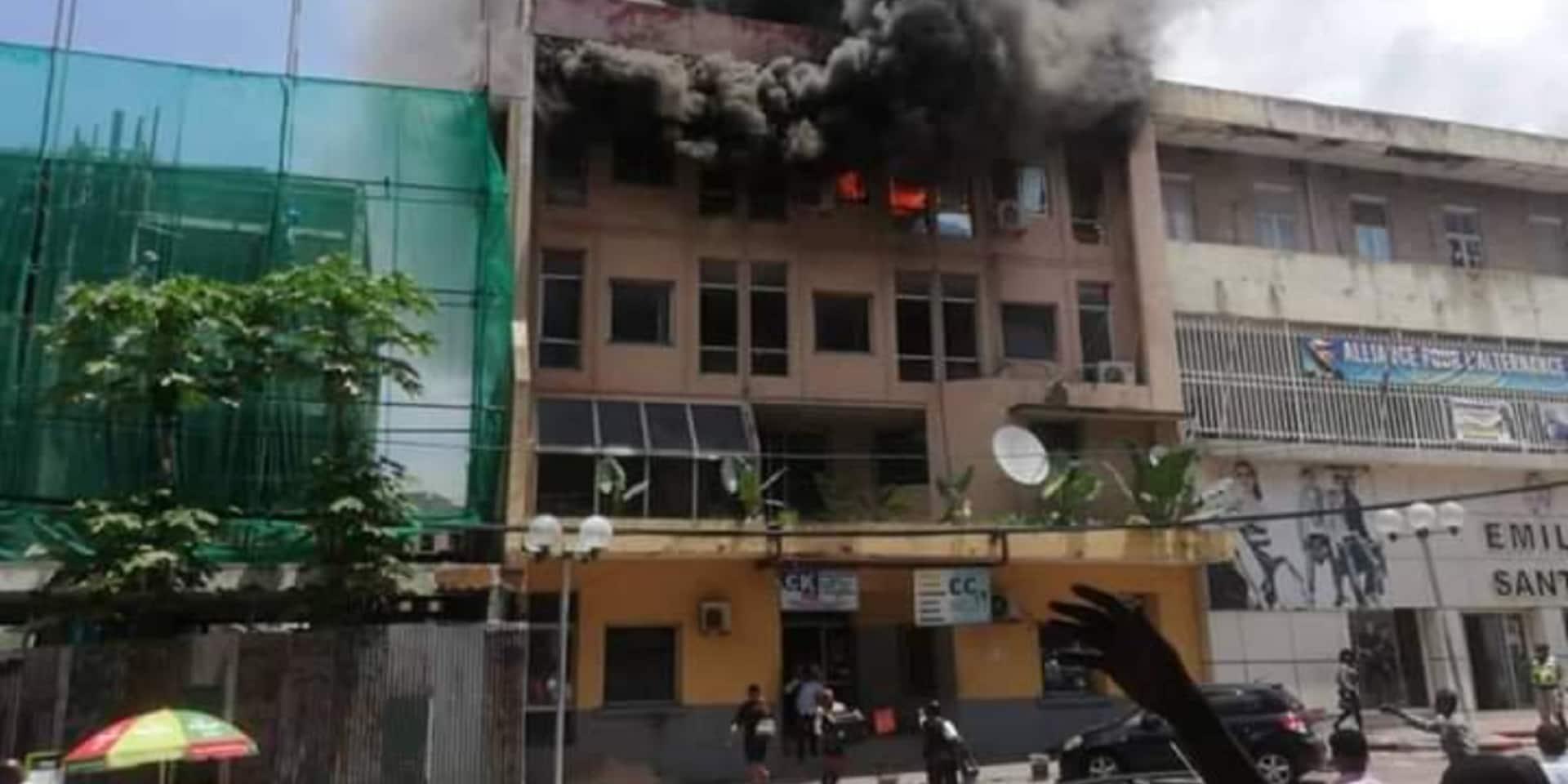 RDC: incendie du bâtiment abritant des médias de l'opposant Jean-Pierre Bemba à Kinshasa