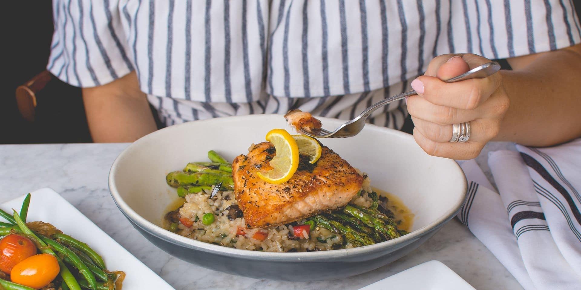 Je fais attention et je ne maigris pas, pourquoi ? : le coup de gueule de Martine Fallon, cuisinière de l'énergie