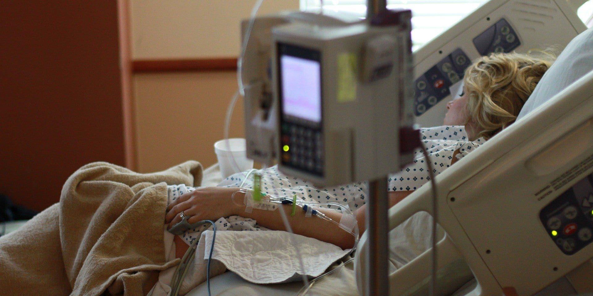 """""""On risque de voir débarquer bientôt aux urgences des personnes qui ont laissé leur état de santé se dégrader, de peur de se rendre à l'hôpital"""""""