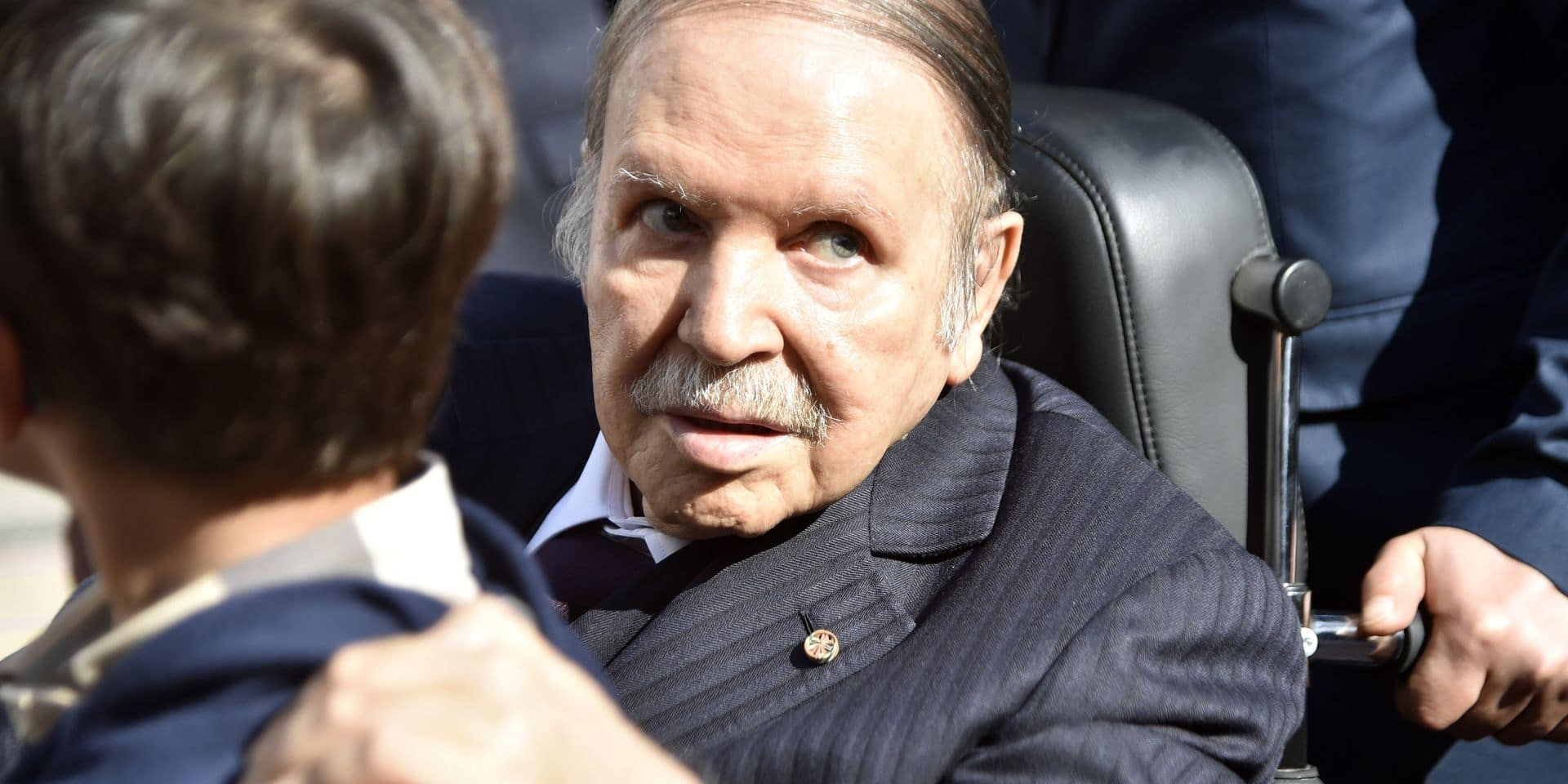 (FILES) In this file photo taken on November 23, 2017, Algerian President Abdelaziz Bouteflika is seen while voting at a polling station in the capital Algiers during polls for local elections. - Algeria's ailing President Abdelaziz Bouteflika will seek a fifth term in April elections, the country's official APS news agency said on February 10. The 81-year-old head of state, in power since 1999, announced his candidacy in a message to the nation sent to the agency, said APS, which will release it later in the day. (Photo by RYAD KRAMDI / AFP)