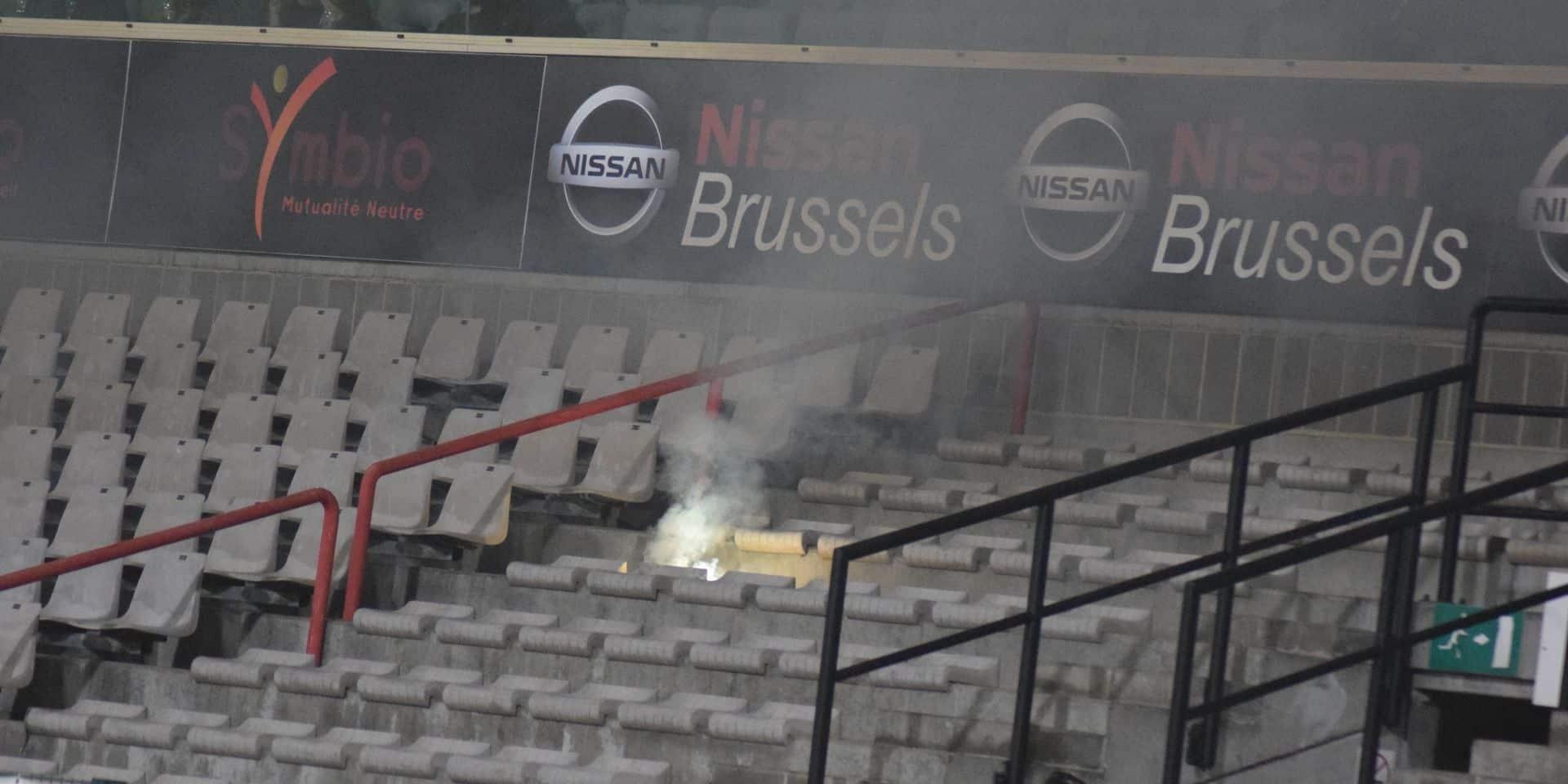 RWDM-Liège interrompu pour jets de pétards