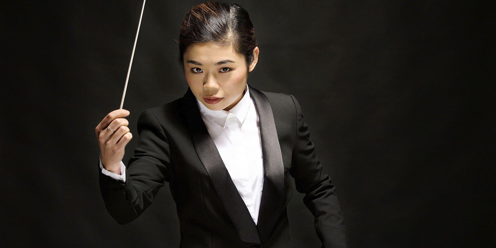 Elim Chan, la femme-orchestre qui dirige Anvers