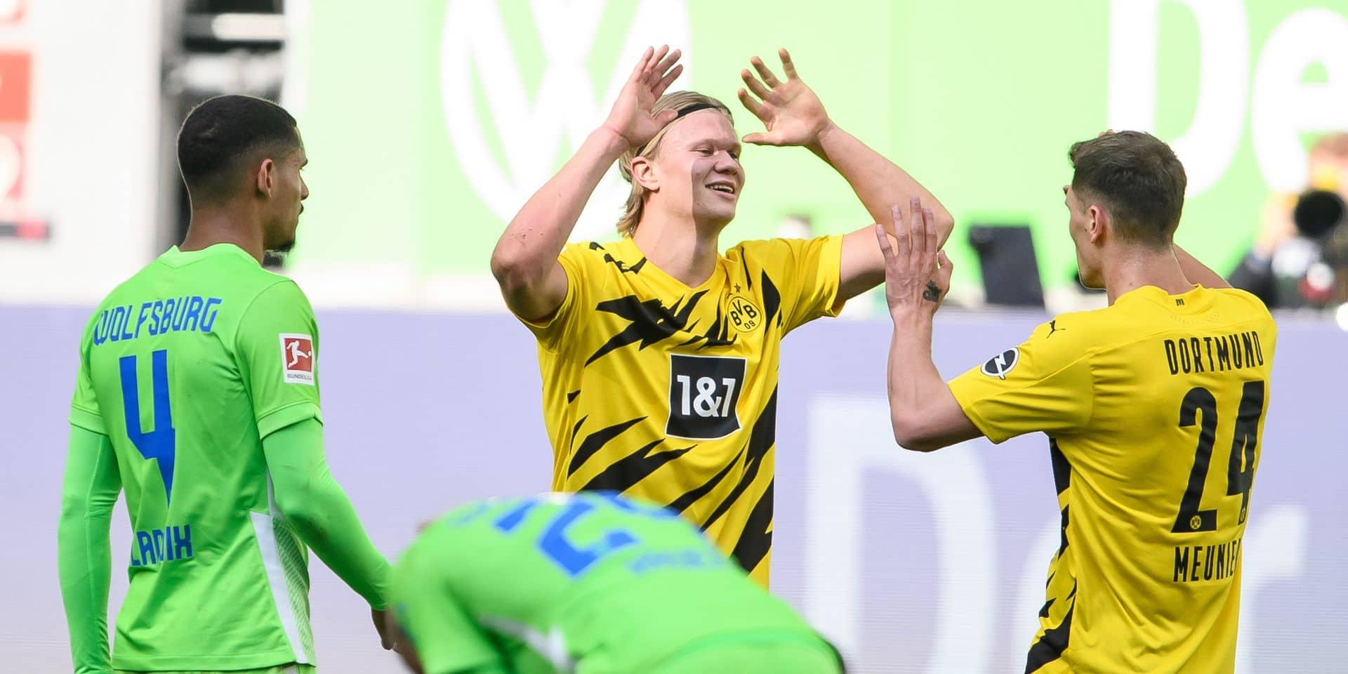 Les Belges à l'étranger: Dortmund, avec Hazard et Meunier, bat Wolfsburg, Eden Hazard joue 15 minutes et prend un petit point