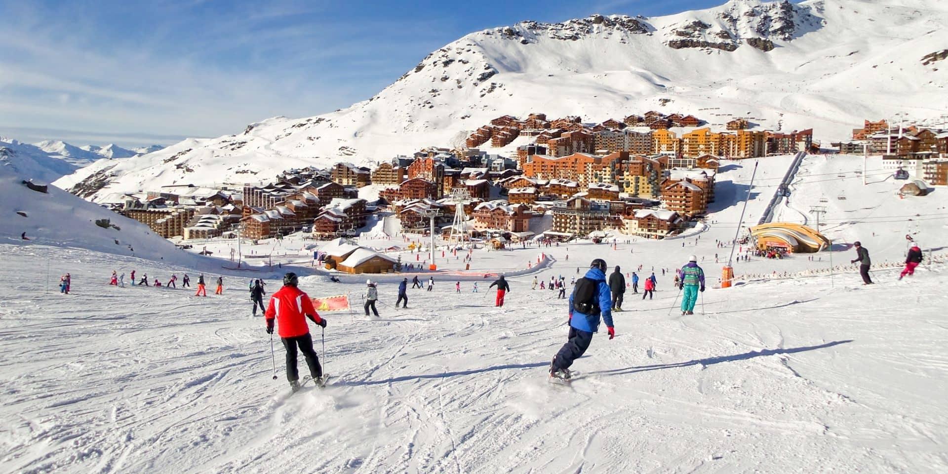 La France envisage la réouverture des pistes de ski le 7 janvier, sauf si…