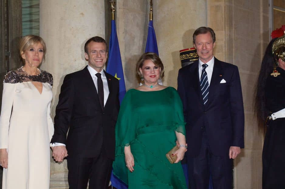 Le Grand-Duc Henri et la Grande-Duchesse Maria Teresa de Luxembourg ont été reçu par le couple présidentiel français.