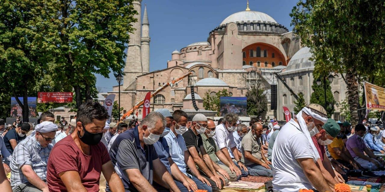 """C'est un grand jour pour l'Islam"""": la première prière du vendredi ..."""